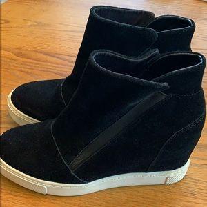 Steve Madden Sneaker Wedge. Size 9.5
